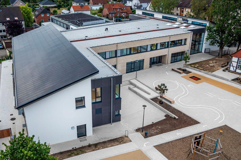Neubau Grundschule Peine-Stederdorf als Passivhaus mit gebäudeintegrierter Photovoltaikanlage